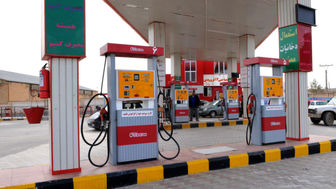 بنزین دزدی در روز روشن!