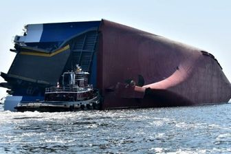 ۴ ناپدید بر اثر واژگونی یک کشتی در آمریکا