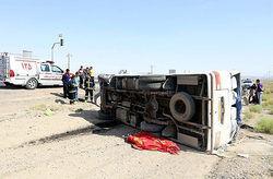 واژگونی یک مینیبوس با ۲۵ مسافر در تهران +عکس
