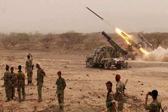 یمنیها مواضع متجاوزان سعودی را با موشک «زلزال ۱» درهم کوبیدند