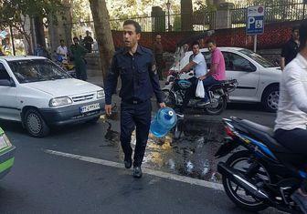 ناکامی دومین خودسوزی در مقابل شهرداری تهران