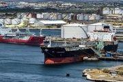توقیف یک کشتی ایرانی در پاکستان به دستور آمریکا