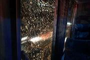 اتوبوس پرسپولیس باز هم در اصفهان مورد حمله قرار گرفت!