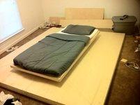 ساخت تختخواب شناور با چوب و آهنربا!