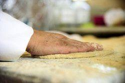 واکنش نوروز مقدم به انتشار شایعه تعطیلی نانواییها