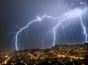 در زمان وقوع توفان و رعد و برق چه کنیم؟