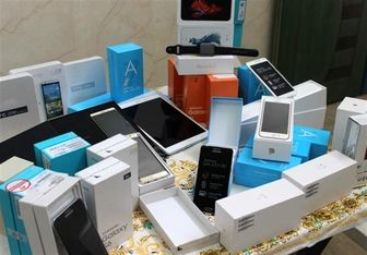 واکنش وزارت صنعت به توقف ثبت سفارش واردات گوشی