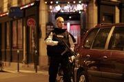 حمله به نیروهای پلیس در پاریس