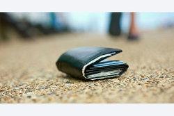چه چیزهایى را نباید در کیف پولمان بگذاریم؟