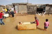 روحانی در چادر سیلزدگان/ عکس