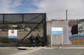 زندانیان ایتالیایی خودکشی می کنند
