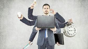 چرا بیشتر کارگران ۲ شغلهاند؟