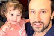 ورزش صبحگاهی شاهرخ استخری و دخترش /عکس