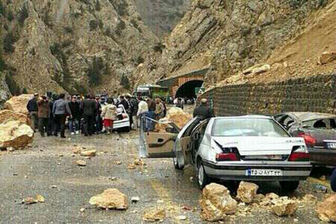 ریزش کوه در یکی از تونلهای مسیر ایلام-کرمانشاه