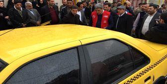 تاکسی سواری حناچی در سه شنبه های بدون خودرو+عکس