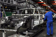 تولید خودرو ۳۷ درصد کاهش یافت