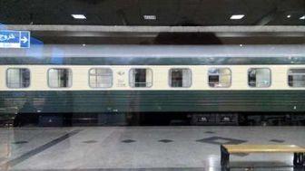 نخستین قطار مسافربری نخجوان وارد ایستگاه راه آهن مشهد شد