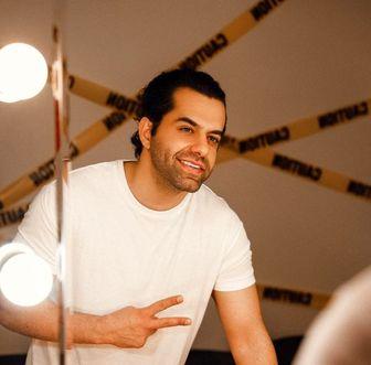 «رضا بهرام» و همان لبخندِ ملیحِ همیشگی/ عکس