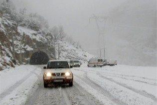 برف و کولاک در جاده های کردستان/ عکس