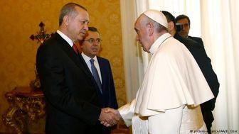 پاپ کتاب «فرشته صلح» را به اردوغان هدیه داد