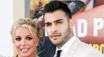 نامزدی بدنساز ایرانی و خواننده محبوب آمریکایی رسمی شد/ انتشار تصویر حلقه نامزدی