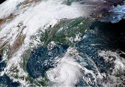 طوفان مایکل در راه آمریکا