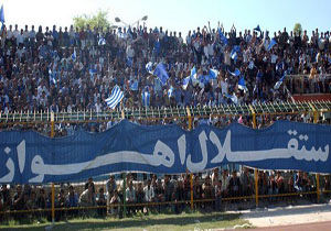 ناراحتی بازیکنان و هواداران استقلال از مالک باشگاه
