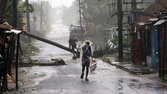طوفان در بنگلادش و هند جان ۱۴ نفر را گرفت