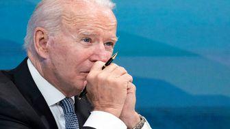 صورت کثیف بایدن هنگام سخنرانی در کاخ سفید +  فیلم