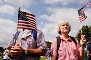 درگیری هواداران و مخالفان ترامپ در مقابل کنگره آمریکا/گزارش تصویری