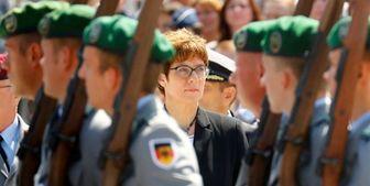 تاکید وزیر دفاع آلمان بر تقویت روابط نظامی با آمریکا