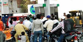 ممنوعیت فروش بنزین به موتورسواران فاقد کلاه ایمنی در پاکستان
