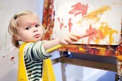 برای تقویت استقلال طلبی کودک چه باید کرد؟