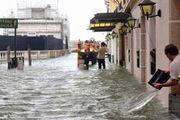 ۲۶ کشته در توفان و سیل ایتالیا