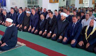 حضور بشار اسد در قلمون برای نماز عید + عکس