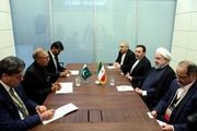 روحانی با رئیسجمهور پاکستان دیدار کرد
