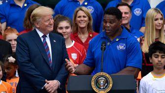 طرفداری ترامپ از یک بازیکن فوتبال برای راه یابی به مجلس سنا