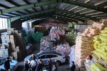 احتکار عظیم کالا در انبارهای تهران/ گزارش تصویری