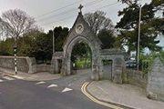 حمله خودرو به جمعیتی مقابل یک کلیسا در ایرلند