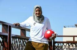 فوتبالیست زن استرالیایی حجاب کامل را انتخاب کرد + عکس