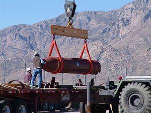 ارتقاء بزرگترین بمب سنگرشکن جهان برای استفاده علیه سایت فردو