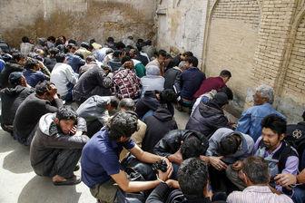 تنها یک نفر از 400معتاد متجاهر جمع آوری شده علائم کرونا را داشت