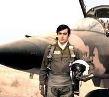 خلبانیکه به دستور صدام دو تکه شد + عکس