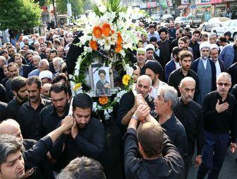 یار نواب صفوی و امام خمینی (ره) بر روی دستان مردم رشت تشییع شد + تصاویر