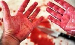 مرد خشمگین، زنش را در مقابل دادگاه با چاقو کشت
