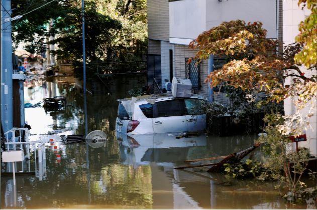 ژاپن در شرایط بحرانی/ توفان «هاگیبیس» تاکنون ۴۰ قربانی برجای گذاشته است + تصاویر
