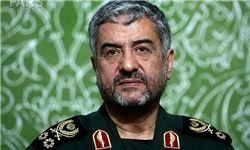 فرمانده سپاه و نوههایش در راهپیمایی 22 بهمن+عکس