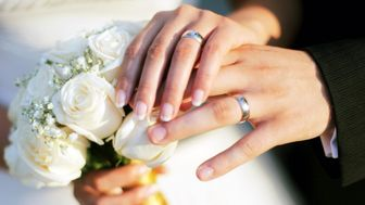 17 ترفند ساده برای گرم کردن رابطه زناشویی تان