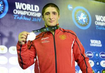 قهرمان کشتی جهان به لیگ ایران میآید