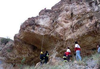 نجات دو نفر در ارتفاعات عسلویه